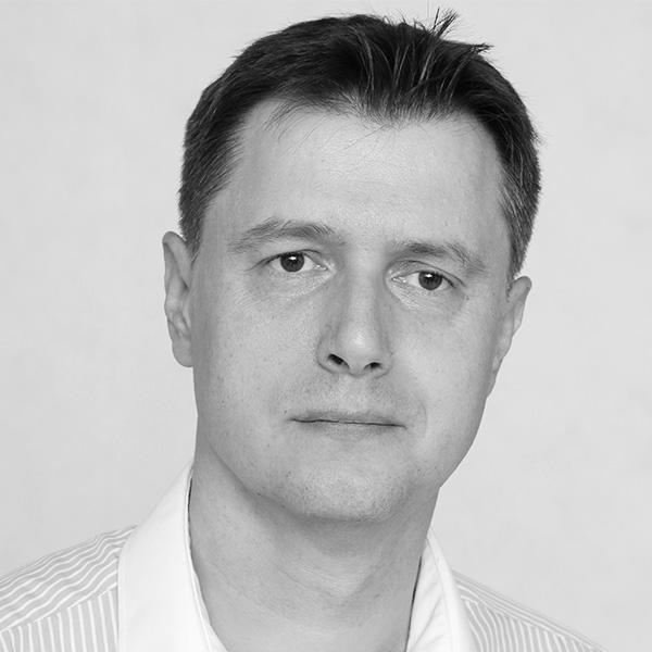 Dr Wojciech Czart